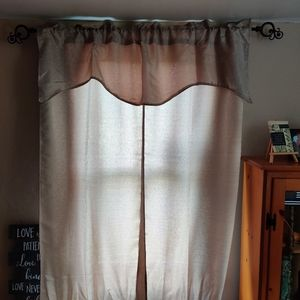 4 window curtain sets
